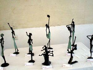 Les créations de Bamadou Traoré &#x3B; Bamadou est la troisième génération de sculpteur à la cire perdu
