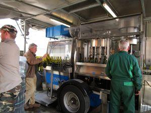 Mise en bouteilles des Jasnières et Coteaux du Loir chez Pascal Janvier