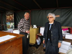 Jocelyne Goupy,aux côtés de Jacqueline Gourault&#x3B; l'Harmonie du Loir&#x3B; présence de nombreux producteurs locaux dont les Ets. Martellière