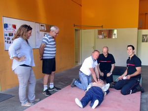 Les pompiers veulent susciter de nouvelles vocations&#x3B; initiation aux premier secours&#x3B; Marceau, 4 ans, une vocation précoce