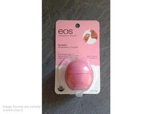 Je vois la vie en rose avec mon baume à lèvres EOS