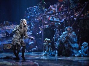 Cats, le Musical triomphe à Paris et joue les prolongations au Théâtre Mogador