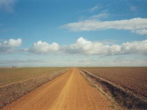 Emanuela Pagan e il Cammino di Santiago. In due tappe da Fromista a Terradillos de los Templarios. La mia ombra é libera