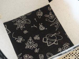 Brodés en 1 fil sur 1 fil, toile lin noire . Merci Stéph. pour la mise en forme des médaillons .... Cliquez pour agrandir