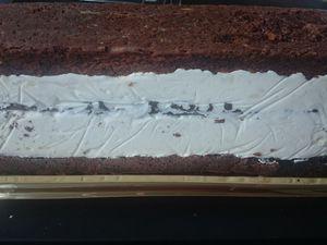 Bûche chocolat blanc framboises