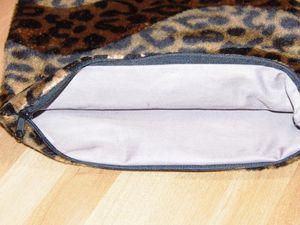 Tasche aufgeklappt (27 x 38,6 cm) und gefüttert, mit Bügelvlieseline verstärkt
