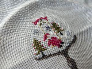 Bulle de Noël - Zaza Picque - brodé en 1x1 sur de la lugana crème
