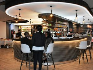 Le nouveau bar tabac presse &quot&#x3B; Le Quimper &quot&#x3B; à Penhars est inauguré