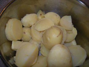Ecrasée de pomme de terre à huile d'olive et fleur de thym.