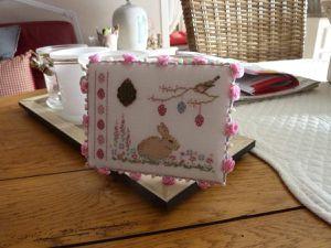 un joli pinkeep aux couleurs printannières.... admirez les détails !!!