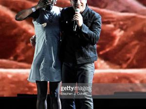 Bono avec Brigitte.