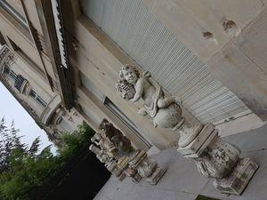 Radiateur rococo ancien époque 1900 fabriqué en France , pour un bel immeuble Haussmannien