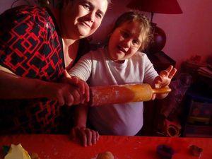 Bredels fait avec ma soeur et ses petits enfants..Savana et Hadès