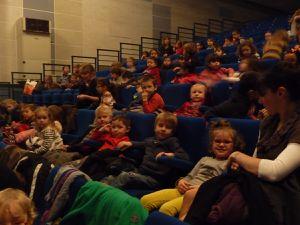 Les élèves de maternelle au spectacle &quot&#x3B;Blanc&quot&#x3B;