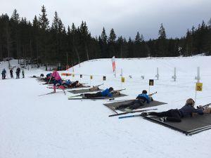 """Séance biathlon de samedi dernier pour les adultes du pack """"skate et biathlon""""! Photos Frédéric."""