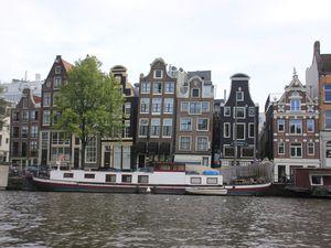 Weekend à Amsterdam, une ville fidèle à sa réputation, mais pas seulement.