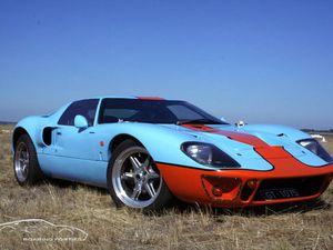 Dans l'ordre : DRB GT40, Pace GT, Roaring Forties GT40 (x2)