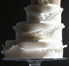 Superposition des gâteaux (pour les wedding cake)