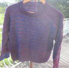 La fille qui tricote des pulls mais ne les porte jamais...