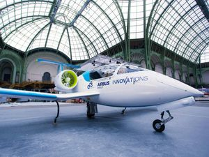 Avion &quot&#x3B;E-Fan&quot&#x3B; d'AIRBUS