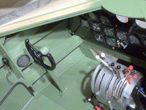 04 avril 2016. Construction en cours du cockpit. Réalisé par Maurice Arzalier. Bravo !