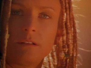 Sue Price dans Nemesis 2: Nebula