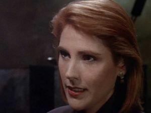 ...Et le fait que Lyta soit revenue indemme de chez les Vorlons pour servir d'adjoint à l'ambassadeur a tendance à inquiéter le personnel de la station.