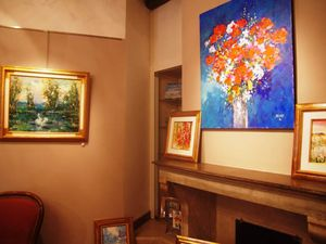 La galerie Saint-Pierre et les oeuvres de l'artiste Georges Hosotte