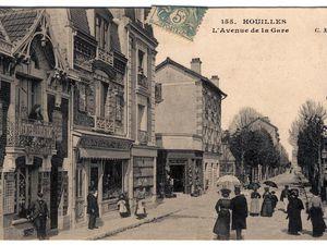 L'avenue de la gare et l'agence Simon, vue de la station