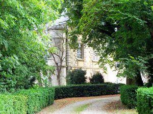 L'église, l'ancienne croix, le prieuré et le château de Gadancourt