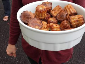 MINI CANNELES FROMAGE ET KNACKIS