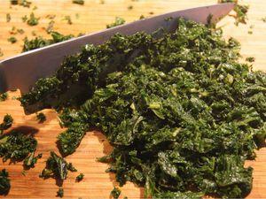 Darnes de saumon sauce césar et flan de chou kale