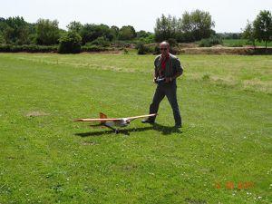 Jean (moniteur) et Sébastien (élève pilote) sous un beau soleil de juin