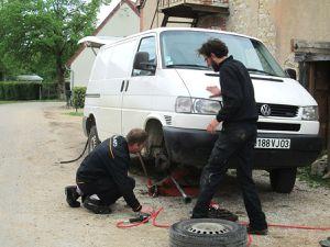 Chargement et derniers préparatifs (photo Manu Paris)