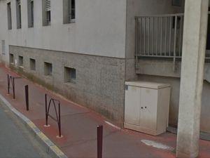 Trottoirs avant les travaux dans un état satisfaisant derrière la mairie de Châteauroux