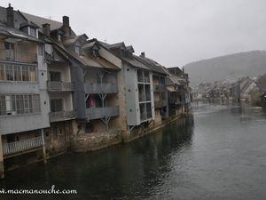 """Ornans est traversée par la rivière """"La Loue"""""""