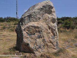 """Clic pour voir le détail de ces """"pierres"""" sculptées !"""