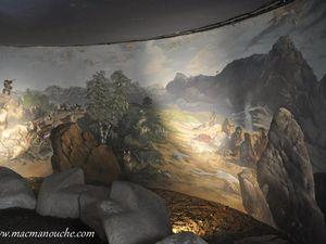 La grotte du renne «Une fresque panoramique qui conte une chasse préhistorique de l'aube au crépuscule !» (clic pour agrandir)