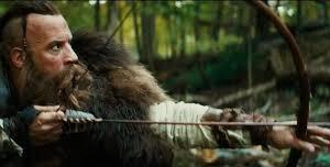 Kaulder nous est montré en train de chasser à l'aide d'un arc, symbole de la déesse lunaire Artèmis. Kaulder enterre sa femme et sa fille, on nous fait comprendre que le dieu chrétien n'as rien pu pour eux contre la sorcellerie.