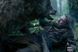 Glass renaît, sous le signe de l'esprit de l'ours, dont il se pare de la peau et s'investit du pouvoir magique.