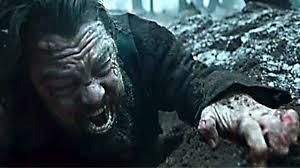 """DiCaprio se traîne hors de sa tombe comme le maître Maçon (33°) qui """"naît de nouveau"""" au monde."""