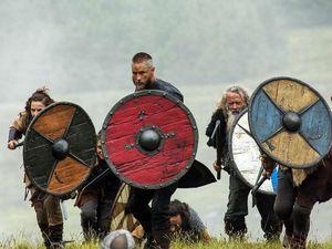 Porter un bouclier rouge était un gage d'hostilité chez les hommes du Nord des Ages Sombres.