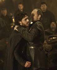 Robb Stark (Le Roi dans le Nord) symbolise l'Amoureux et l'Empereur. Il est poignardé au cœur pour avoir refusé la raison imposé par la matrice du démiurge, puis sa dépouille est exposé à la vue du monde. Dans les livres de Martin, la dépouille de Robb Stark est pendu aux murs des Jumeaux...