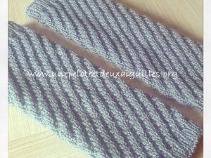 Tricoter des guêtres en côtes diagonales