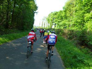 La 36ième édition du tour de la Sarthe cyclotouriste organisé par le cyclo club de la Vègre de Tennie. Bravo à Vincent qui a réalisé la totalité du parcours soit 500 kms en 3 jours, ça s'arrose !
