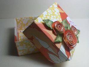 """Une aute de mes petites boites """"Origami"""".Faciles à faire ,elles feront une excellent emballage pour vos petits cadeaux"""