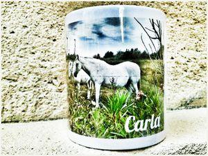 """Mug porcelaine """"Cheval Avignon"""" personnalisable par le prénom, imprimé des photos originales de Jean Robin."""