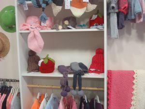 """L'alphabet et les coussins de Nathalie      Les vêtements , cadres et trophées d'animaux de """"Queen Mum Baby"""""""