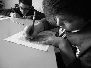 atelier de gravure avec les adolescents