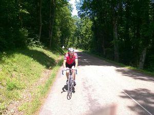 Sortie de 80 Kms pour 10 cyclos et toujours sous un beau soleil. Passage sur les secteurs de Jubainville, Mont l'Etroit, Vannes, Pagny, Sauvigny et retour par la Basilique.